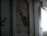 Элемент декора - саксафон на стене