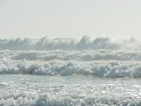 Вот такие волны иногда поднимаются в нем