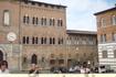 Бывшая больница Санта Мария делла Скала. Ныне в этих стенах Археологический Музей.  Часы старинные и работают!