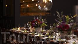 Многие не знают, что окрестности SОMA, района, где размещается большинство современных виноделен, когда-то назывались Южным Слотом.  Здесь проводят свадебные ...