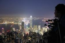 Гонконг. Пик Виктория. Ночной вид с одной из пешеходных троп