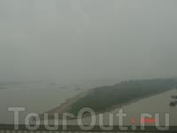 Красная река, в дельте которой и расположен Ханой