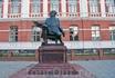 памятник врачу-филантропу Ф.Х.Гралю