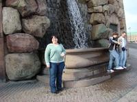 Водопадик у Королевского дворца в Стокгольме