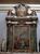 Капелла, где похоронена Барбара Браганца, небольшая и довольно скромно украшена. Однако и тут есть картины, росписи и витражи.