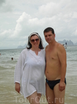 На пляже острова не помню какого, где не было волн и был коктейль в ананасах. Все в составе экскурсии на о.Дж.Бонда