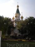 Великолепная Русская Церковь Святого Николая с блестящим мозаичным экстерьером была построена в 1912 -1914 годах для русской общины в Софии и названа в ...