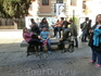 На улице много красивых домов, но самый знаменитый - это дом-музей Сервантеса с памятником героям его бессмертного произведения у входа. Как видите, памятник ...