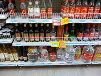 Супермаркет Траст.Полки с водкой.Пьяных не видела на улице
