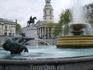 Фонтан на Trafalgar Square. Очень романтично.