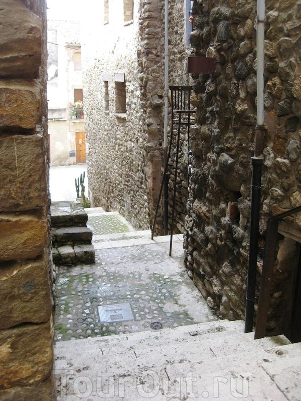 Ах, эти узкие улочки и каменные дома...
