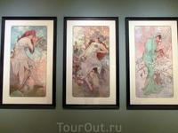 Творчеством Мухи я тоже насладилась сполна. Тут были все его знаменитые картины, театральные афиши и просто картины, которые он рисовал.