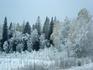 с одной стороны дороги - зима...