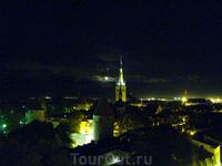 панорама ночного старого города