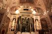 склеп Святого Андрея Первозванного, статуя Апостола Андрея  - работы скульптора Микеланджело Наккерино, ученика  Микеланджело Буонарроти, по обеим сторонам ...