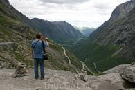 """Тролльстиген - """"лестница троллей"""" - автомобильная дорога в Норвегии. Открыта для проезда только в летний период."""