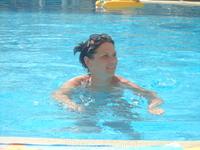 Релакс в бассейне.