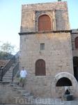 монастырь в центре Айа Напы
