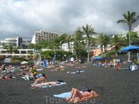Канарские острова. Тенерифе. Пляж в г. Лос Кристианос