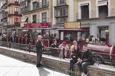"""""""Тук-Тук"""" в Толедо. В Тунисе тук-тук - общественный туристический транспорт. В Толедо - это экскурсионная """"маршрутка""""."""