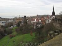 Вид на Эдинбург со стены Эдинбургского замка