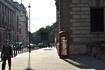 Солнце в телефонной будке.