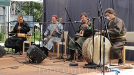 Выступление ансамбля горлового пения из Монголии «Huun Huur Tu»