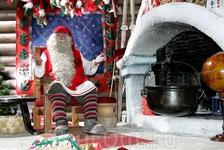 Вы же хотите на память такую фотографию с Санта-Клаусом?