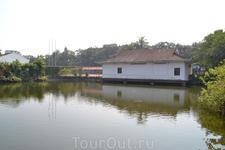 Эта деревня на берегу реки практически превратилась в сам Гуанчжоу, ставший крупнейшим портом и здесь находилась первая китайская таможня.  Сегодня это ...