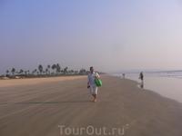 Прогуляться по берегу пару км туда и обратно одно удовольствие