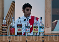 Обратите внимание на название напитков :-)