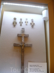 кресты...сверху - нательные