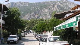Деревня на берегу залива Эгейского моря по пути в древний город Эфес