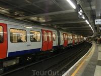 Лондонское метро моим товарищам показалось ужасным :) Конечно, тем, кто привык к нашим вагонам, станциям и нашим перронам в метро Лондона может грозить ...