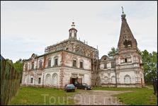 Ещё одним сохранившимся до наших дней храмом является Спасообыденская церковь (1697) - заброшена и находится в довольно плачевном состоянии.В храме авторемонт. Это, наверное, и называется богооставлен