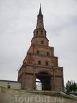 """Кремль. """"Падающая"""" башня Сююмбике. Название связано с легендой о царице Сююмбике, регентше при малолетнем Утямыш-Гарее. По легенде она, чтобы избежать ..."""