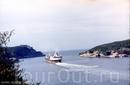 Советские корабли приходят в нашу бухту - большая радость. Вкусняшки и продукты привычные везут