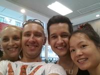 Проведя последний день у друзей в Чжуншане, мы сели в автобус и отправились в Гонконг.