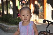 филиппинский ребёнок!