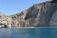 Палеокастрица - скалистые берега западного побережья Корфу
