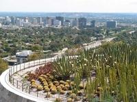 Вид на Лос-Анджелес с площадки музея Гетти