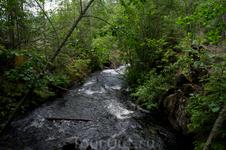 Потоки воды от Гирвасской ГЭС