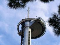 А вот и Faro de Moncloa, башня, с которой я хотела полюбоваться красотами Мадрида с высоты обзорной площадки (92 метра). Само сооружение высотой 110 метров занимает 11 место в списке высотных сооружен