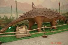 На выставке диназавров