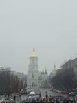 Напротив Михайловского монастыря находится Софийский собор.