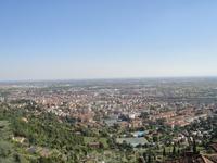 вид на Бергамо из старой части города с фуникулера