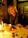 лучший ресторан Андорры Bordo Estevet отличное мясо, шикарный выбор вин и обслуживание средняя стоимость салата/супа 10-13 евро горячее - от 20 евро вино ...