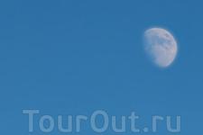 """Иногда Луна появлялась раньше, чем садилось Солнце... А далее на фото есть кадр, как мы """"летали на Луну"""""""