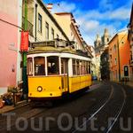 """Без трамвая №28 одолеть холмы и спуски Лиссабона было бы невозможно. У """"старичков"""" трехзначный номер, первая цифра - обязательно 7"""