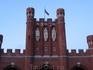 Статуи на Королевских воротах.